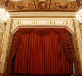 3945939-old-theater-stage-and-red-curtain